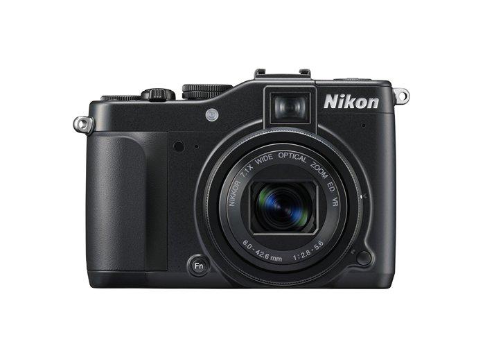 NIKON P7000 vue de face objectif ouvert